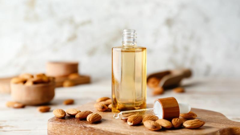 Mandlový olej v úsporném balení na cesty