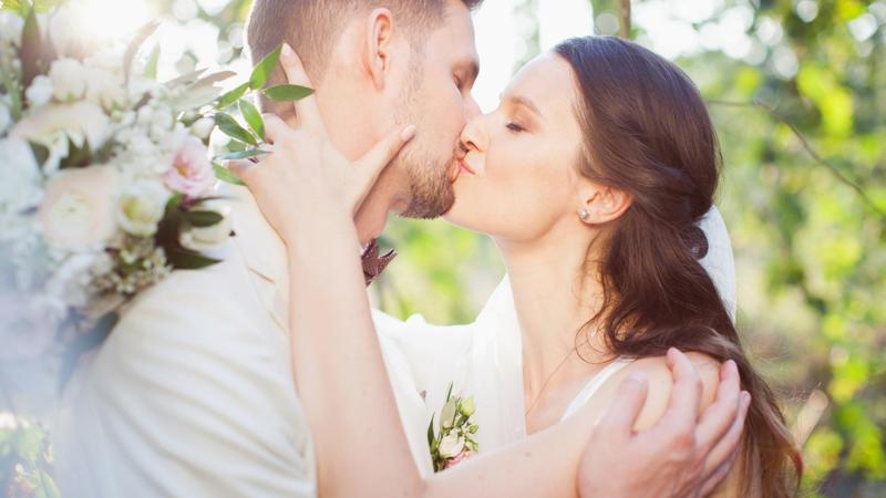 Probuď labuť, manželský pár, svatba