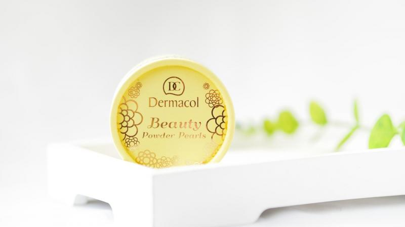Beauty Powder Pearls od Dermacolu.